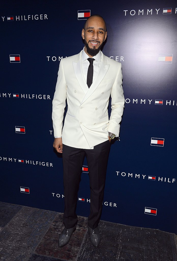 Swizz Beatz wore a white jacket.