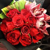 Valentine's Day during NYFW meant roses on the go!