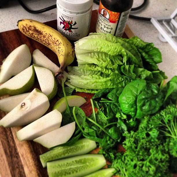 So that's where she gets that glow from! Jesinta Campbell let us peek at what goes into her green juices. Source: Instagram user jesinta_campbell