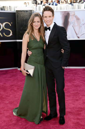 Eddie Redmayne Brings His Girlfriend to the Oscars