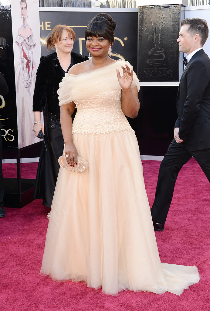 Octavia Spencer gave a wave on the red carpet at the Oscars.