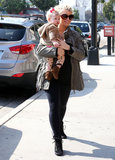 Pregnant Jessica Simpson had a mother-daughter lunch with Maxwell on Monday in LA.
