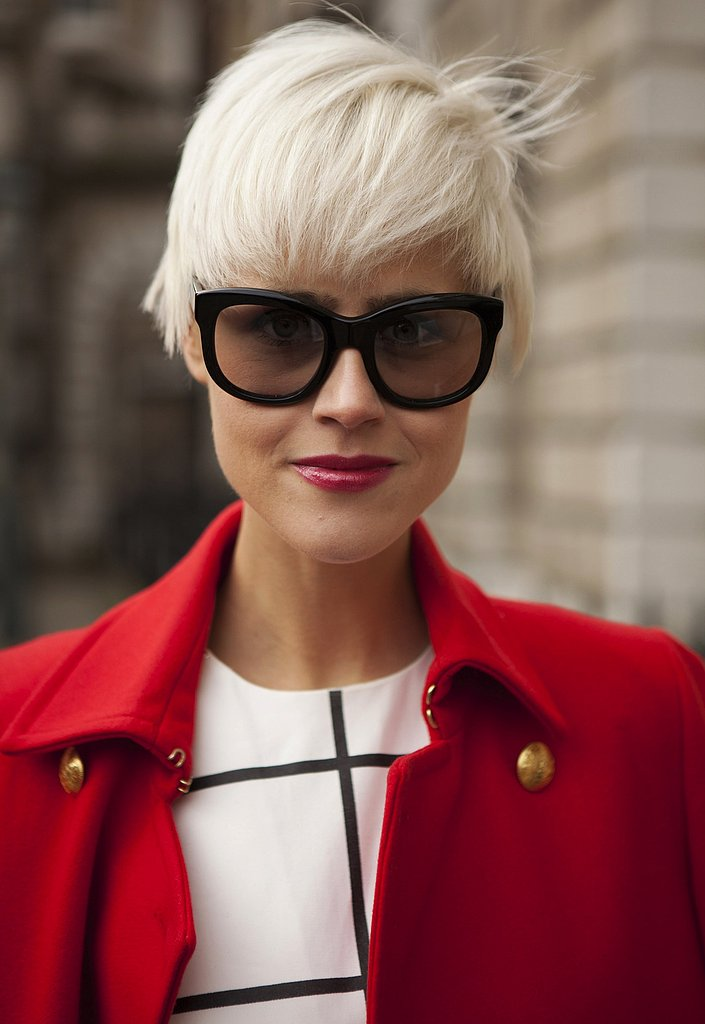 Black oversize frames jumped out against a cool blond 'do and pink lips.