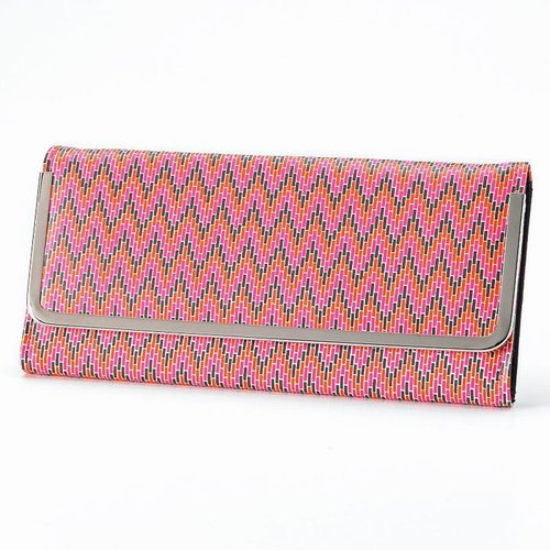 Colorblock chevron clutch