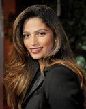 Camila Alves wore loose curls.