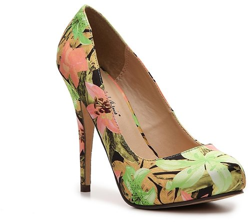 Michael Antonio Love Me Floral Pump