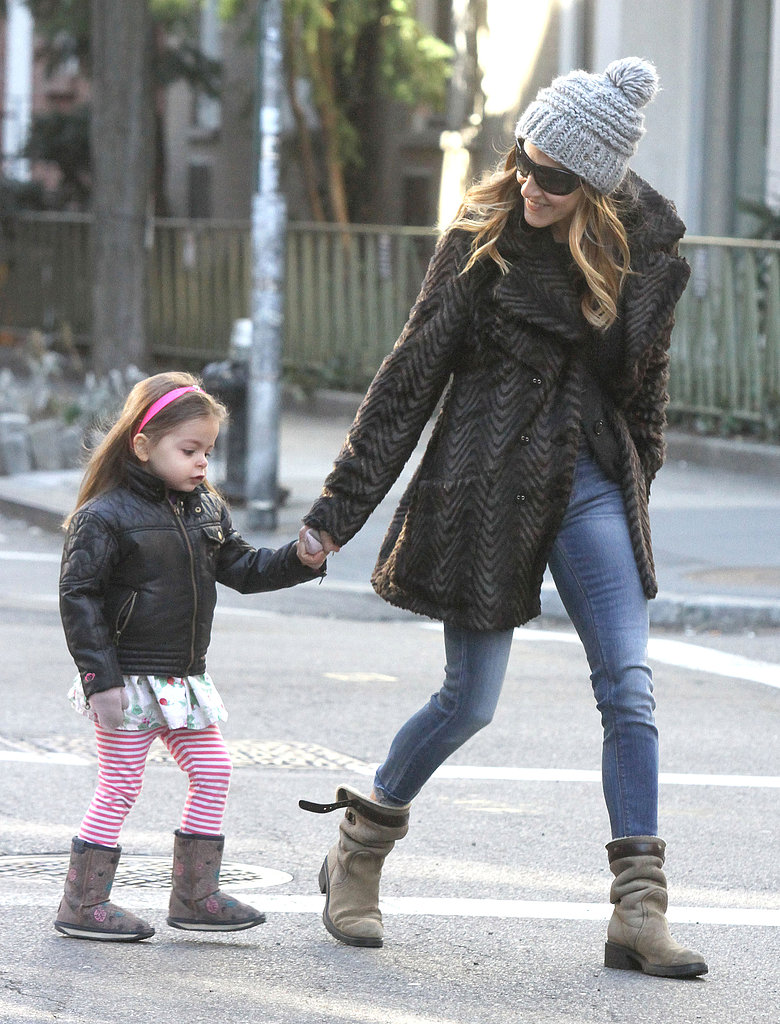 Sarah Jessica Parker walked Tabitha Broderick across the street.