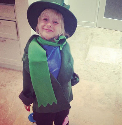 Liev Schreiber posted a photo of his son dressed up for St. Patrick's Day.  Source: Twitter user LievSchreiber