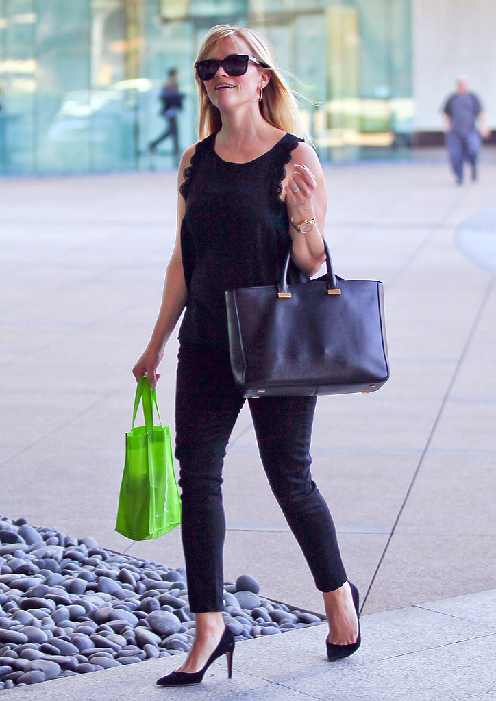 Reese Witherspoon carried a bag of juice from Glow Bio.