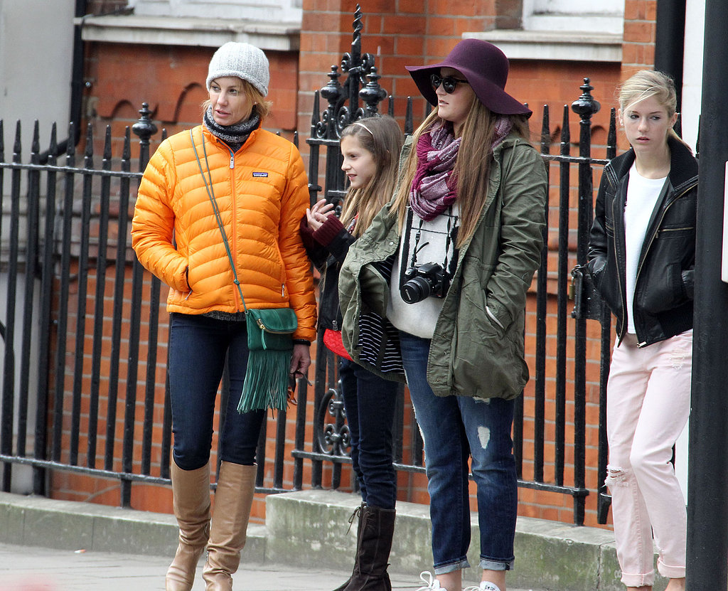 Faith Hill spent the day in London with her daughters and husband Tim McGraw.