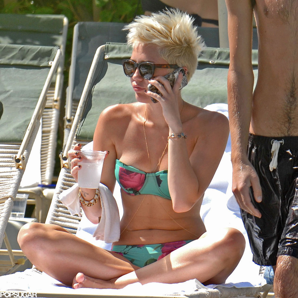 Miley Cyrus wasn't wearing her engagement ring.