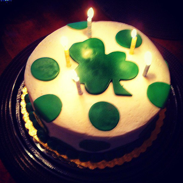 Kevin McHale celebrated his dad's birthday with a shamrock cake in 2013.  Source: Instagram user kevinmchale
