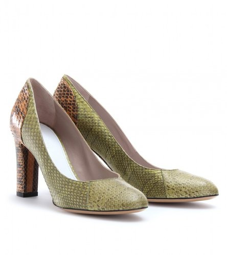 Chlo SNAKESKIN PUMPS