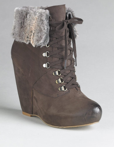 BOUTIQUE 9 Daphnea Leather Wedge Ankle Boots