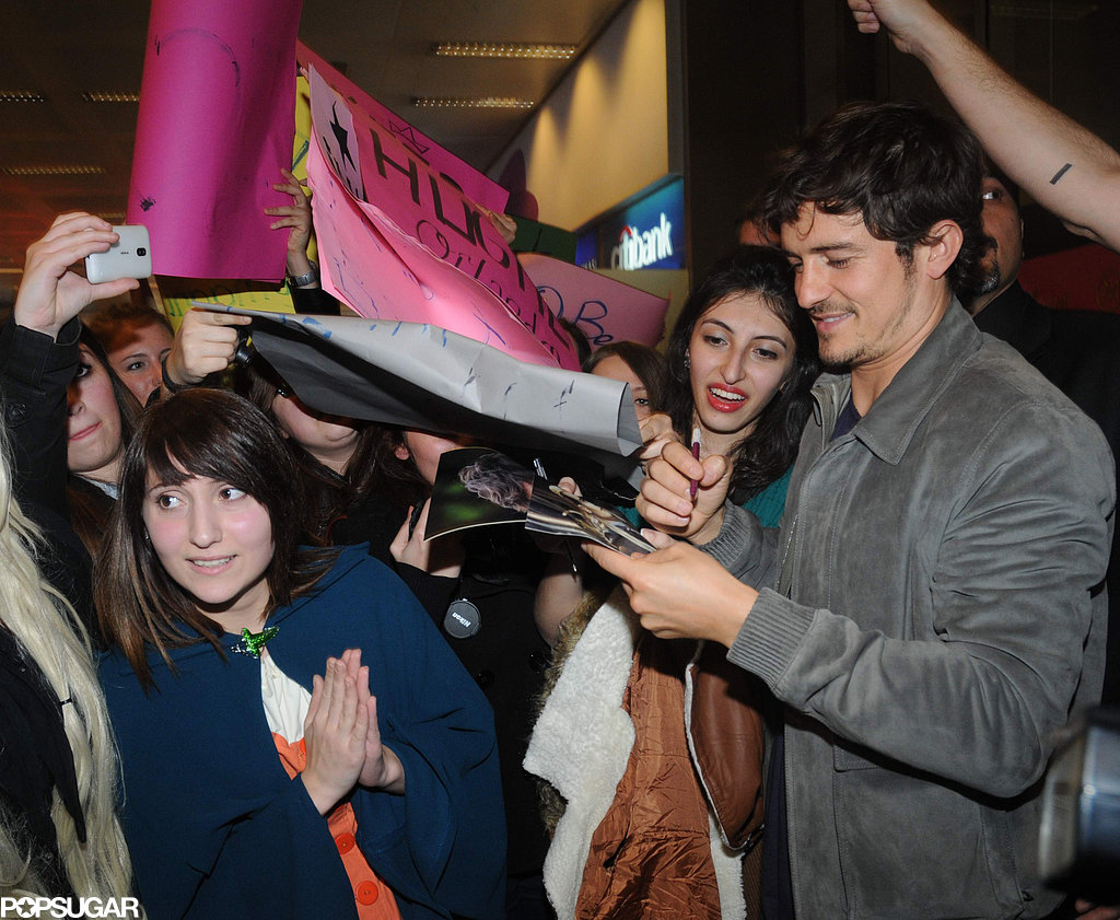 Orlando Bloom Touches Down to a Warm Welcome in Turkey