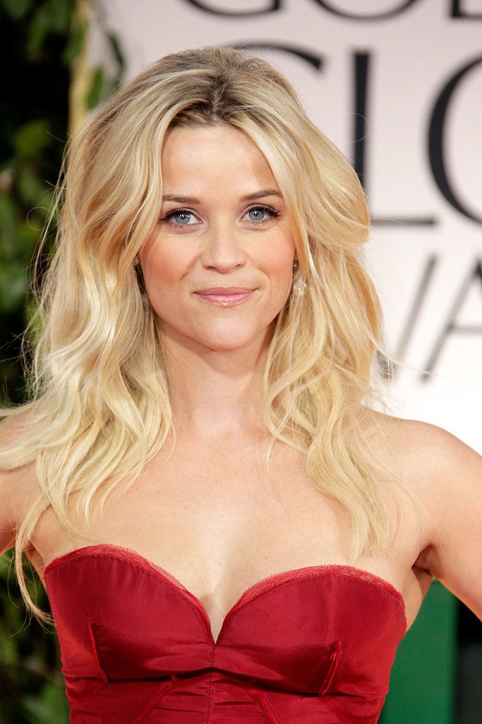 Reese amped up the sex appeal at the 2012 Golden Globes with voluminous textured waves and a bright red dress.