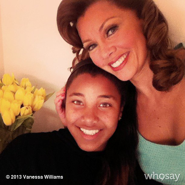 Vanessa Williams wished her fans a happy Easter from backstage at the Sondheim Theatre. Source: Instagram user vwofficial