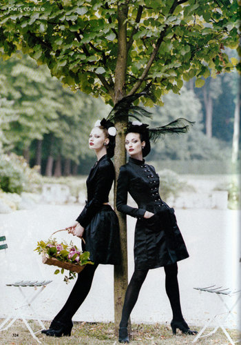 Kirsty Hume and Shalom Harlow