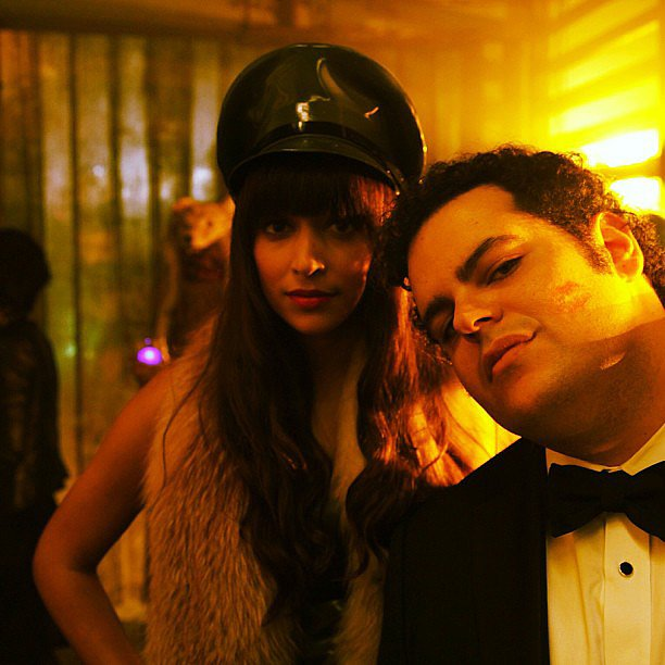 New Girl's Hannah Simone payed a visit to Josh Gad on the set of 1600 Penn. Source: Instagram user therealhannahsimone