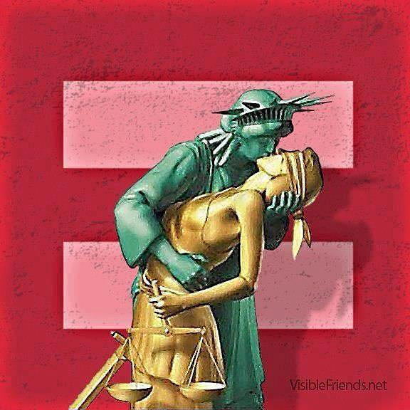 Lady Liberty and Lady Justice meet. Source: Facebook user Ilka Erren Pardiñas