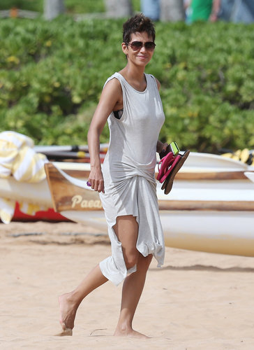 Halle Berry sported a light gray draped dress and aviator sunglasses on her Hawaiian vacation in March.