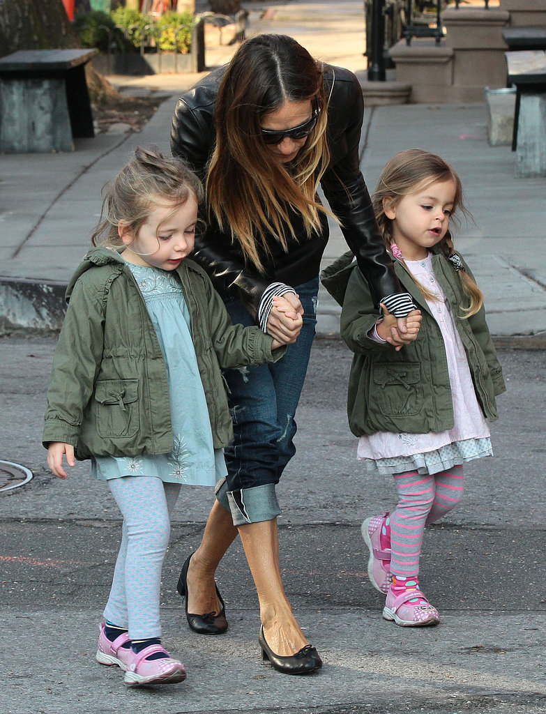 SJP Returns From Toronto For Double Mom Duty
