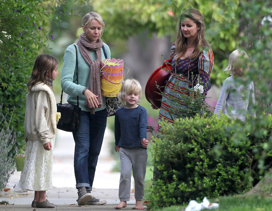 Naomi Watts took her kids on an Easter egg hunt at Simon Baker's LA house.