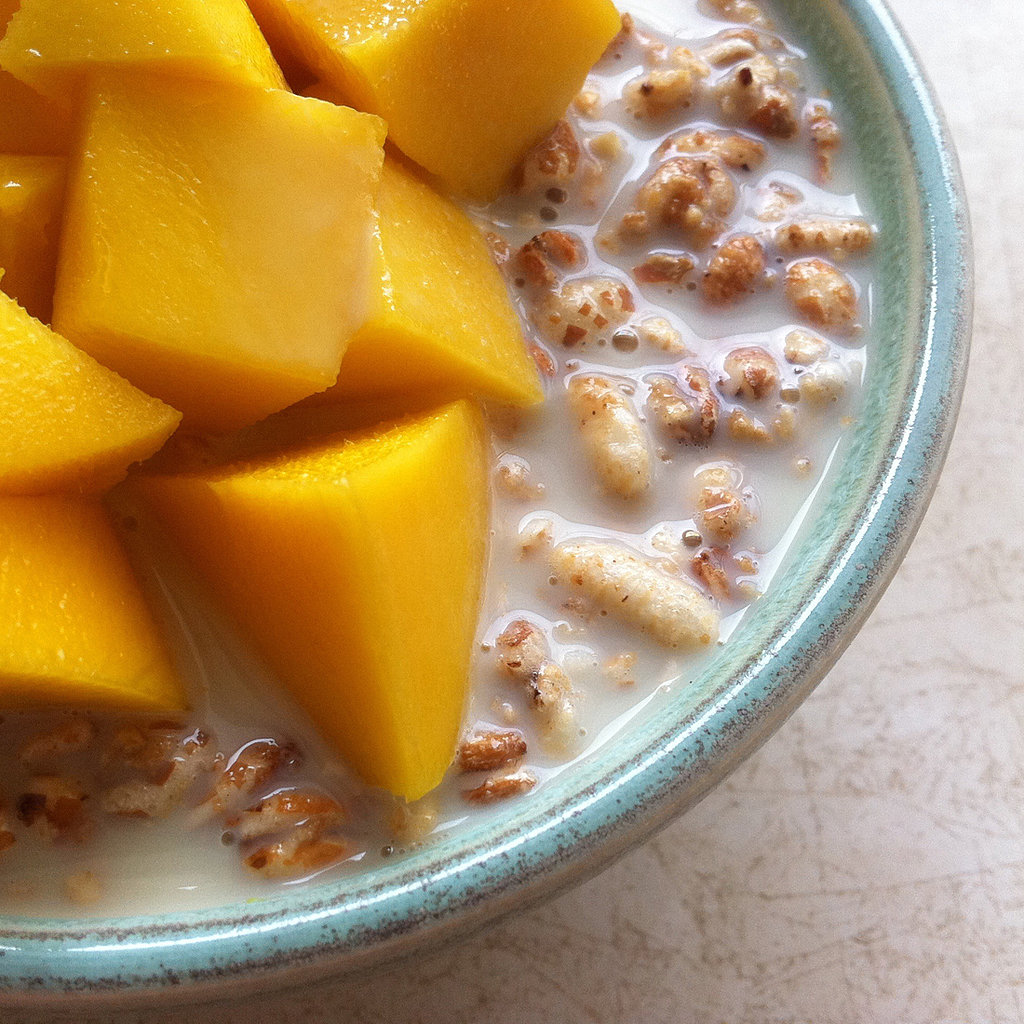 Cereal With Milk and Mango