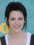 To portray the iconic Joan Jett in The Runaways, Kristen chopped her hair into a rocker-chic style, which she showed off at the 2009 Teen Choice Awards.