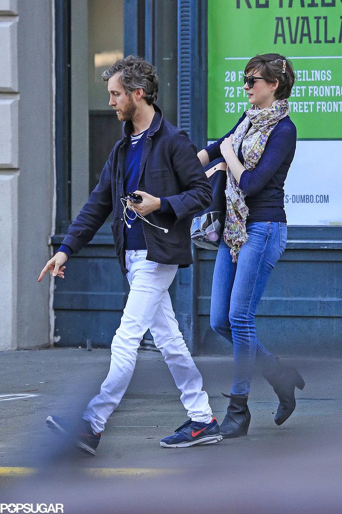 Adam Shulman and Anne Hathaway strolled together in Brooklyn.