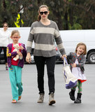 Jennifer Garner took her daughters, Violet and Seraphina Affleck, to the farmers market in LA on Sunday.