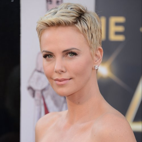 Charlize Theron Dating Seth MacFarlane | Video
