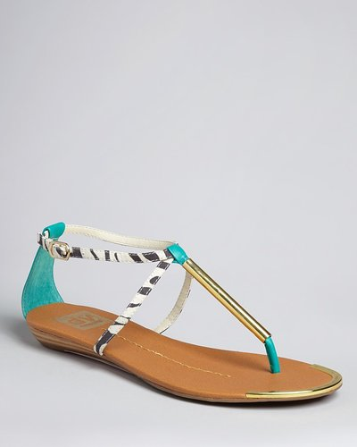 DV Dolce Vita Thong Flat Sandals - Archer