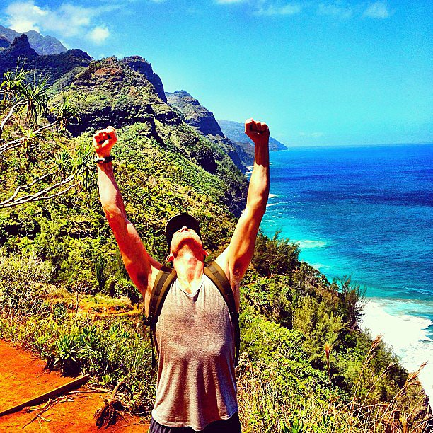 Bryan Greenberg showed off his muscles while hiking in Hawaii. Source: Instagram user bryangreenberg