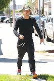 Orlando Bloom Steps Out as Wife Miranda Kerr Faces VS Rumors