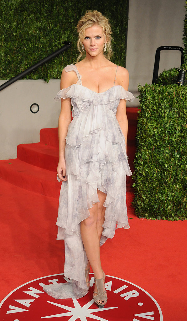 Brooklyn Decker was the ultimate femme in a ruffle-trimmed Joy Cioci confection for the 2011 Vanity Fair Oscars party.