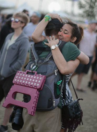 A couple hugged at Coachella.