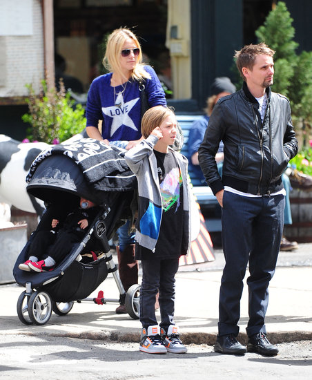 Kate Hudson took a stroll in NYC with fiancé Matt Bellamy and her boys, Bingham and Ryder.