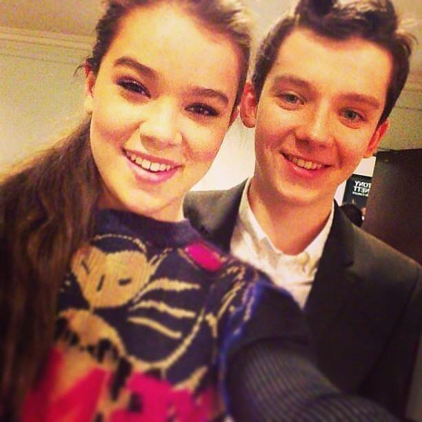 Hailee Steinfeld took a picture with her Ender's Game costar Asa Butterfield at CinemaCon. Source: Twitter user HaileeSteinfeld