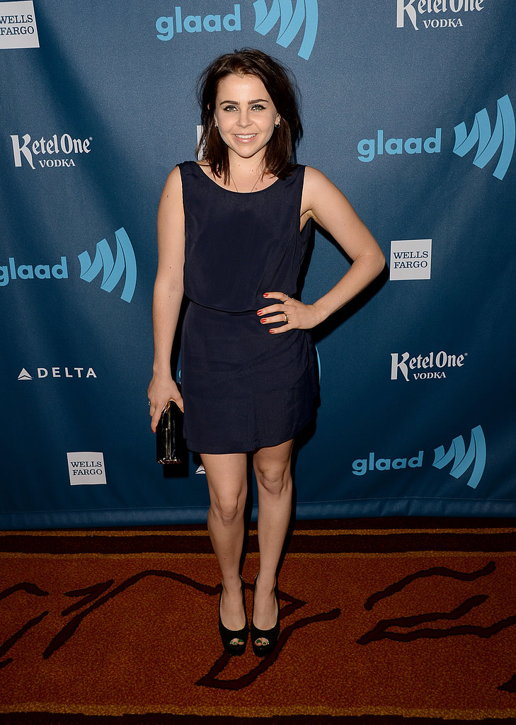 Mae Whitman kept it simple in a black shift dress and coordinating accessories.