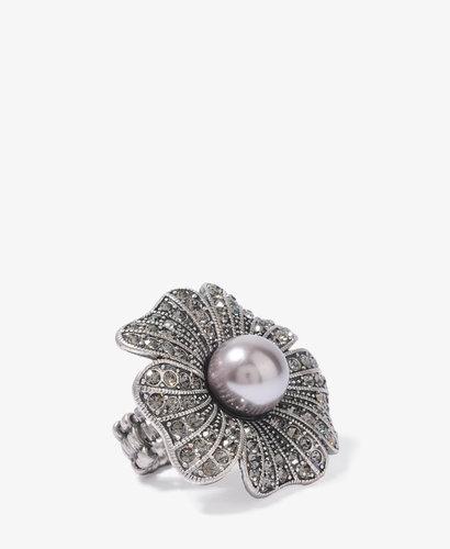 FOREVER 21 Pearlescent Flower Ring