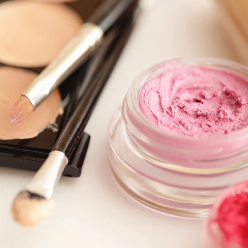 Tips For Buying the Right Natural Makeup