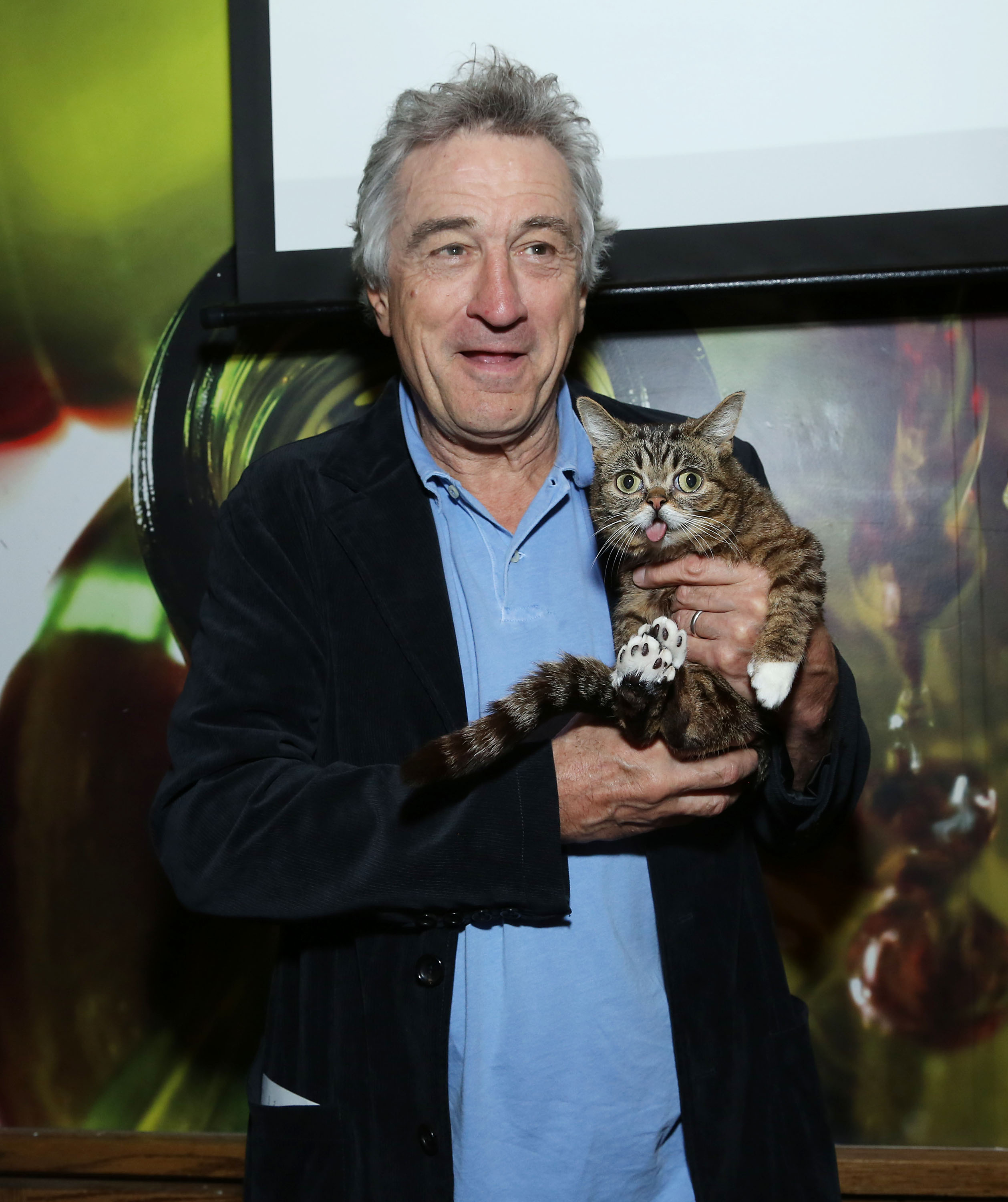 Robert De Niro cozied up to famous cat Lil Bub at Tribeca Film Festival's directors brunch.