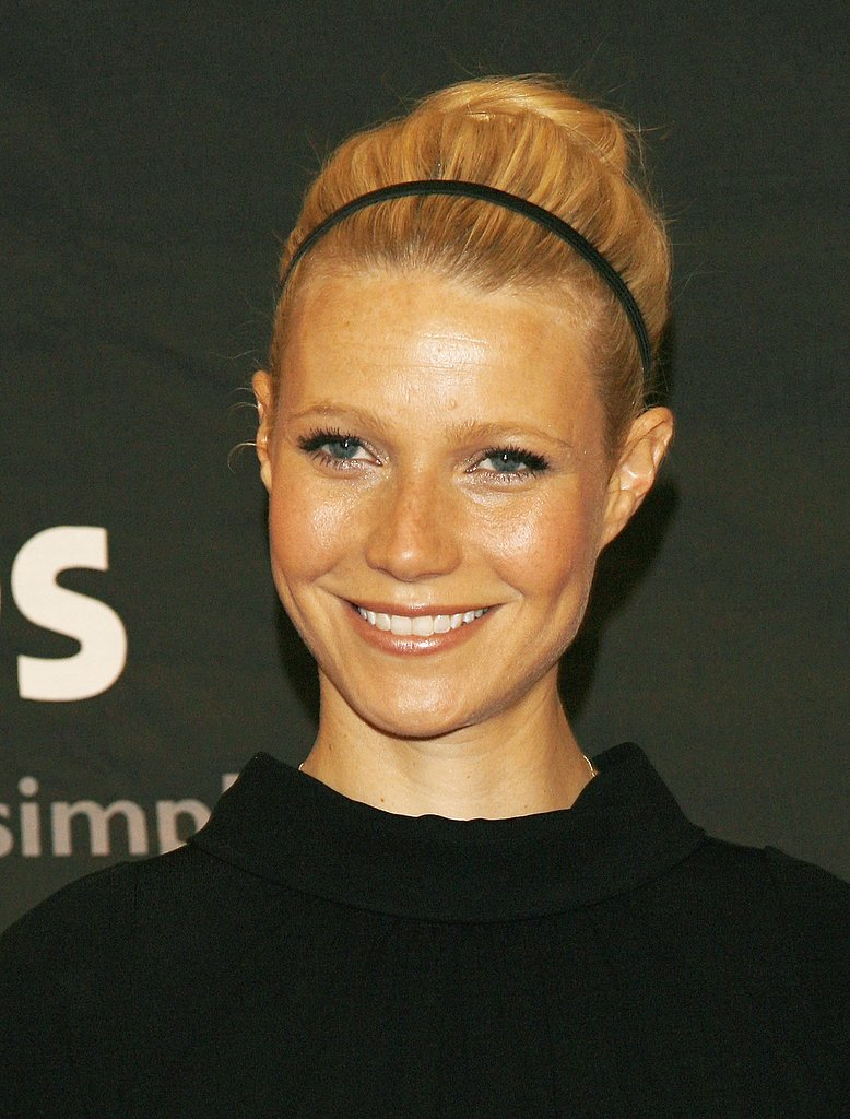In 2006 at the Women in Hollywood premiere, Gwyneth displayed her best in casual elegance with a sleek updo accented with a thin headband.