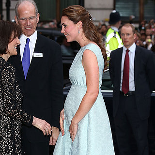 Kate Middleton zeigt Babybauch in London