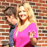 Kate Hudson Visits The Late Show in Pink