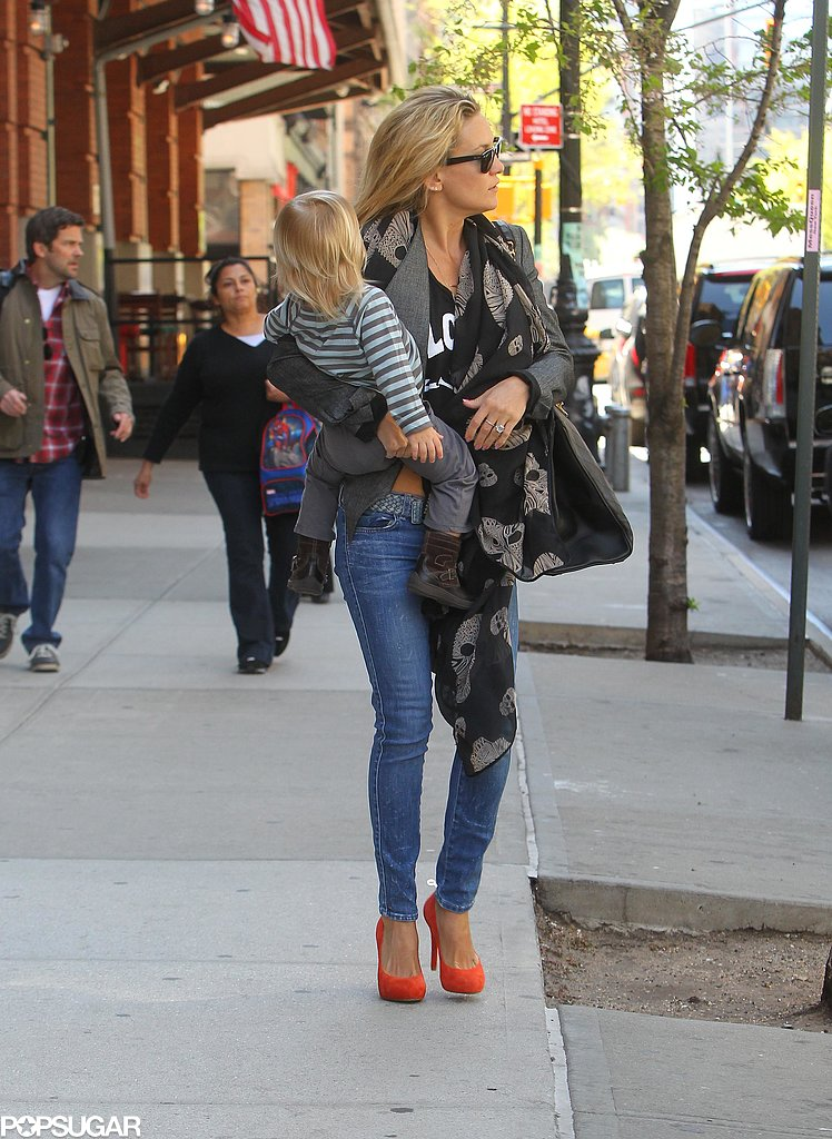 Kate Hudson carried Bingham Bellamy in NYC.