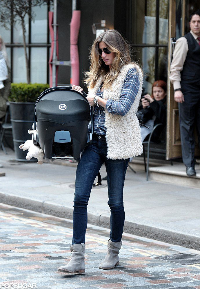 "Gisele Bündchen and Vivian Bring ""Feminine Beauty"" to London"