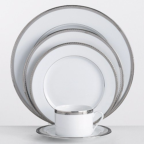 Registry 101: Dinnerware