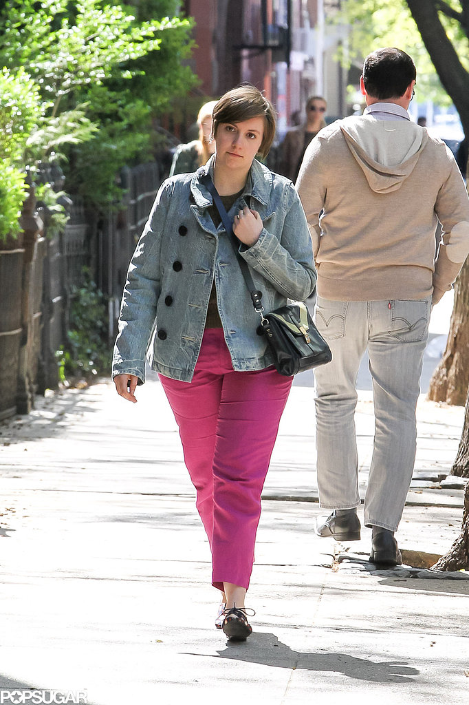 Lena Dunham walked in NYC while filming Girls.